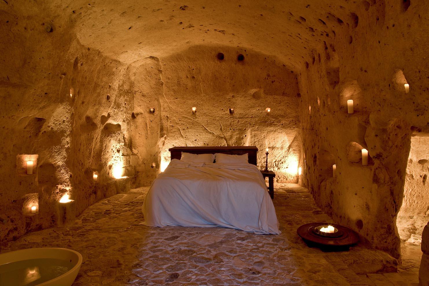 ITALY BOXES_0024_006 Le Grotte della Civita Cave Hotel